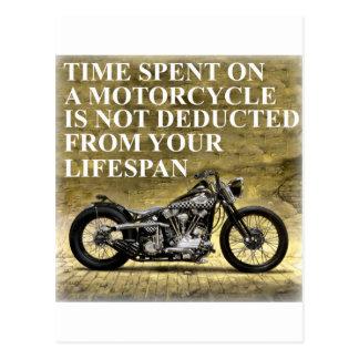 Temps passé sur une moto carte postale