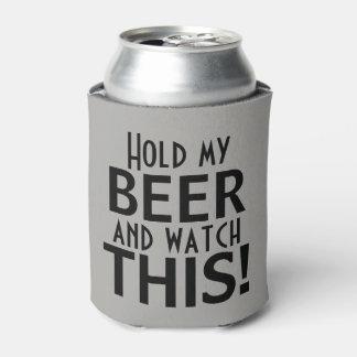 Tenez ma bière et observez ce | drôle rafraichisseur de cannettes