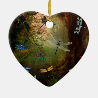 Terrain de jeu de libellule ornement cœur en céramique