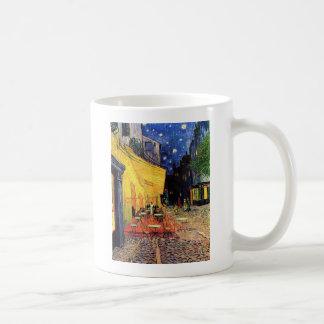 Terrasse de café de Van Gogh la nuit Mug