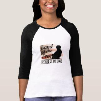 Terre du libre en raison du courageux t-shirt