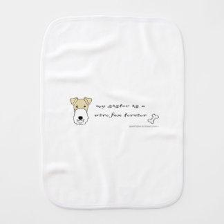 terrier de renard de fil linge de bébé