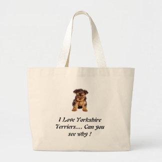 Terriers de Yorkshire d'amour ? Le besoin bon un Grand Sac