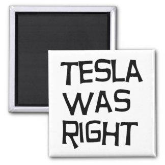 Tesla était exact magnet carré