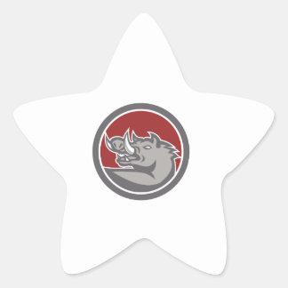 Tête de balénoptère recherchant le cercle autocollant en étoile