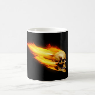 Tête de mort avec des flammes mug blanc