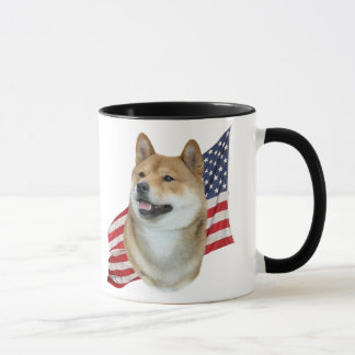 Tête de Shiba Inu avec le drapeau américain Mug