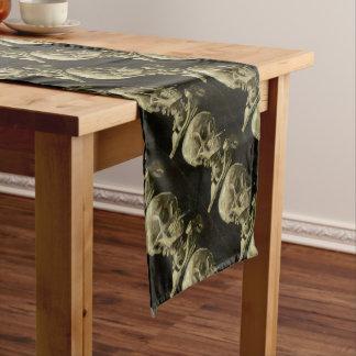 Tête de Vincent van Gogh d'un squelette avec la Chemin De Table Court