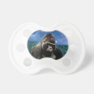 Tétine Gorille dans le pré