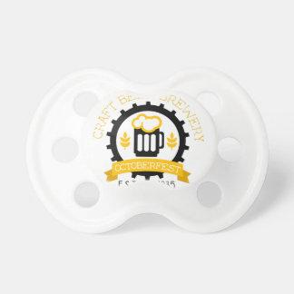 Tétine Modèle de conception de logo de bière avec la