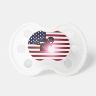 Tétine Soudeuse et drapeau américain