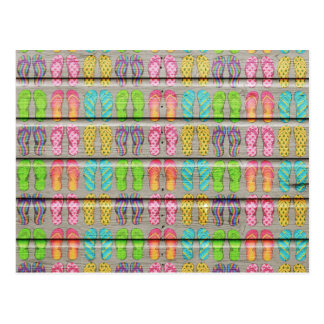 Texture en bois vintage de sandales colorées lunat carte postale