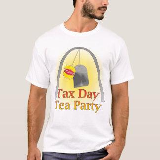 Thé de jour d'impôts - St Louis (1) T-shirt