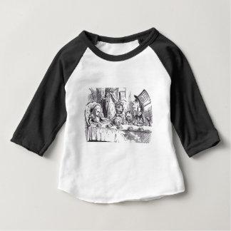 Thé fou de chapelier t-shirt pour bébé