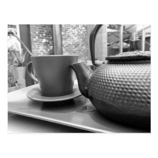 Thé noir et blanc carte postale