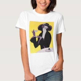 Thé potable vintage d'après-midi de femme élégante t-shirts