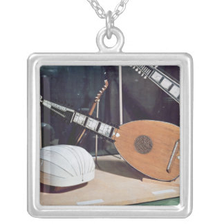 Theorbo, 1637 pendentif carré