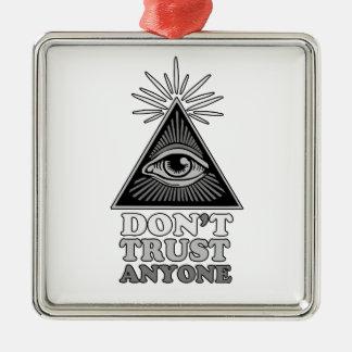 Théorie de conspiration ornement carré argenté