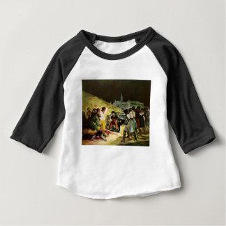 Tiers de la peinture de mai t-shirt pour bébé