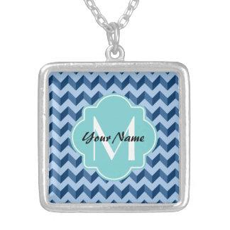 Tiffany décoré d'un monogramme et bleu marine pendentif carré