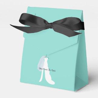Tiffany ici vient les boîtes de cadeau de jeune ballotins