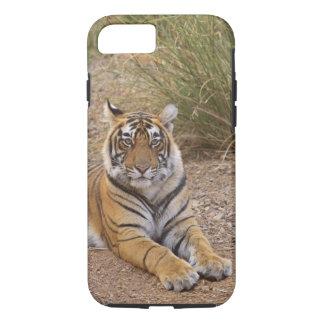Tigre de Bengale royal se reposant en dehors de la Coque iPhone 7