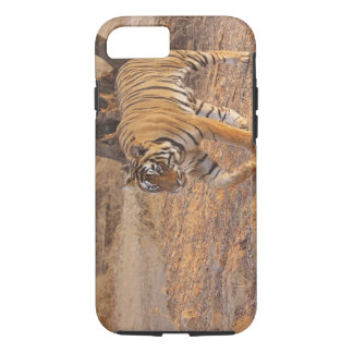 Tigre de Bengale royal sur le mouvement, Coque iPhone 8/7