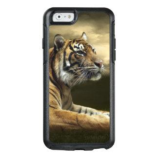Tigre regardant et se reposant sous le ciel coque OtterBox iPhone 6/6s