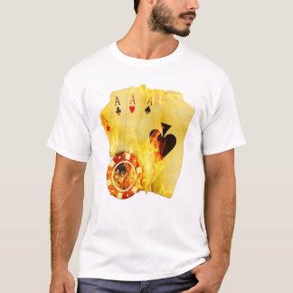 Tisonnier sur le T-shirt du feu