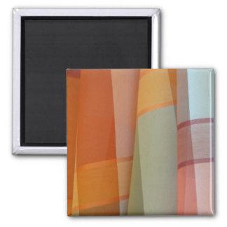 Tissu coloré magnet carré