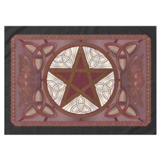 Tissu d'autel avec le pentagone étoilé rouge et le nappe