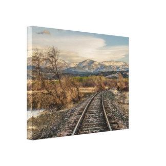 Toile Courbe dans les voies - voies ferrées - montagnes
