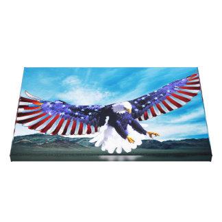 Toile Eagle volant dans le ciel avec un drapeau