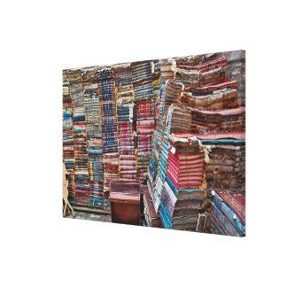Toile Escalier de vieux livres