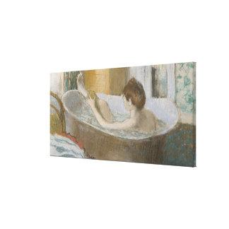 Toile Femme d'Edgar Degas | à son Bath, épongeant sa