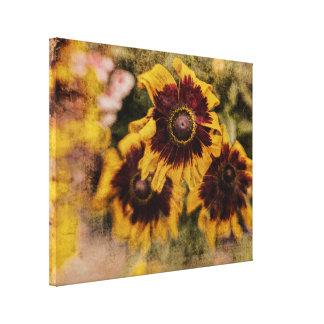 Toile Fleurs jaunes et brunes grunges texturisées de
