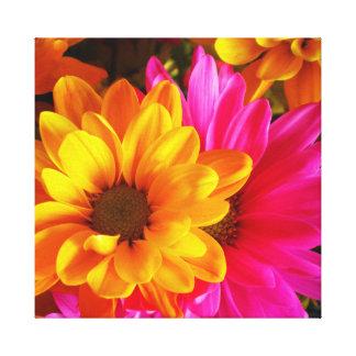 Toile jaune 20x16 et rose de flower power
