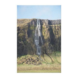 Toile La baisse pure d'une cascade islandaise