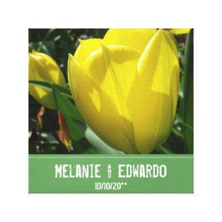 Toile La tulipe jaune fleurit le mariage