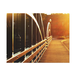 Toile Lever de soleil magnifique sur le pont Niles, Mich