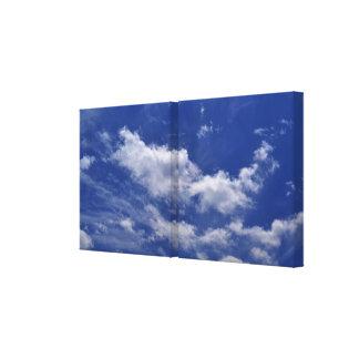 Toile Nuages de blanc de ciel bleu