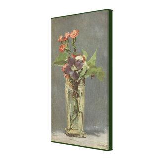 Toile Oeillets et clématite dans un vase en cristal par