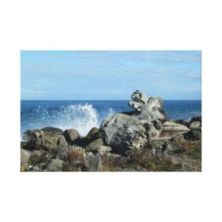 Toile Paysage marin se brisant de vagues avec le bois de