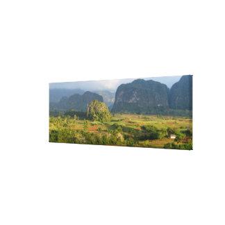Toile Paysage panoramique de vallée, Cuba