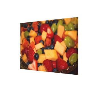 Toile Salade de fruits avec des raisins de myrtilles de