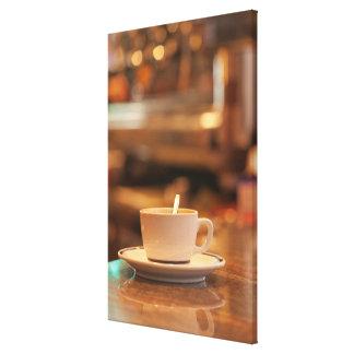 Toile Tasse de café dans un Café