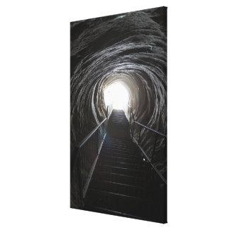 Toile Tunnel foncé de caverne