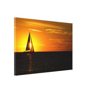 Toile voile de coucher du soleil sur le lac