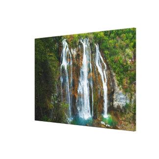 Toile Vue élevée par cascade, Croatie