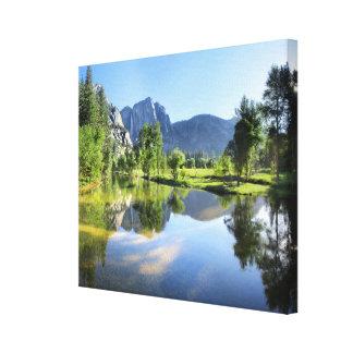 Toile Yosemite Falls de rivière de Merced - vallée de